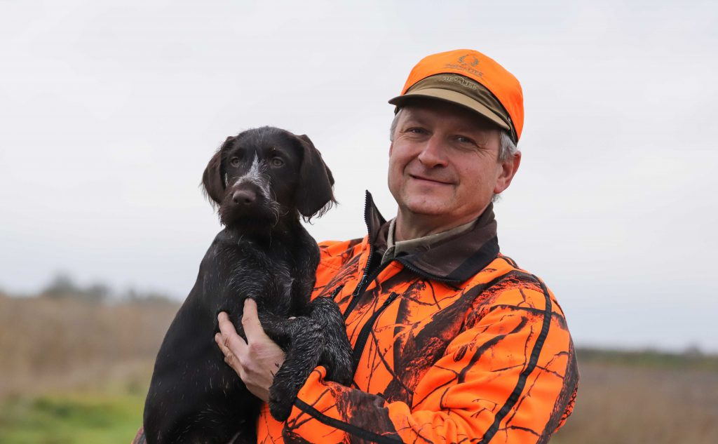 Vyacheslav Alimov and Drahthaar Puppy